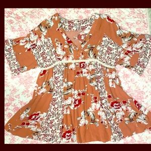 Umgee Coral Floral Panels Lace Accent button Tunic